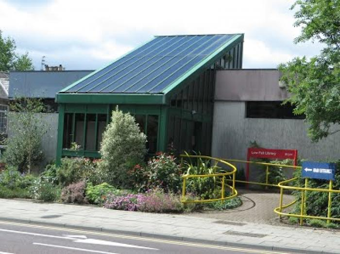 Photo of the outside of Low Fell Library
